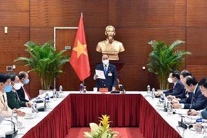 Thủ tướng Nguyễn Xuân Phúc chủ trì họp khẩn ứng phó dịch Covid-19