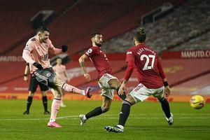 Bất ngờ gục ngã trước Sheffield, Man United chính thức mất ngôi đầu