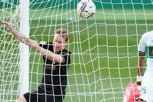 De Jong: 'Đấng cứu thế mới của Barca'