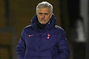 Mourinho buộc phải từ bỏ chiến thuật mới ở đại chiến với Liverpool