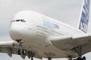 Hầu hết tất cả những chiếc máy bay dân dụng đều được sơn màu trắng, lý do vì sao ?