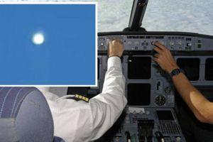 Video 'đĩa bay' sáng rực, di chuyển trên bầu trời Pakistan