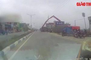 Video TNGT 28/1: Một nạn nhân bất tỉnh do xe bơm bê tông chạm dây điện