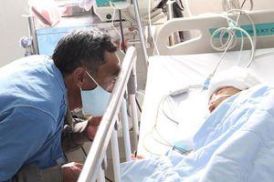 Quyên góp 1,4 tỷ đồng hỗ trợ bé trai bị bố chém tại Đắk Lắk