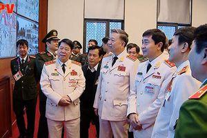Đại tướng Tô Lâm thăm, kiểm tra công tác bảo vệ an ninh Đại hội XIII của Đảng