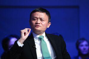 Jack Ma tái xuất nhưng Alibaba chưa qua cơn nguy khốn