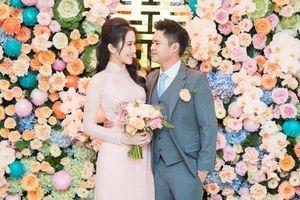 Trước thềm đám cưới 'tiền tỉ', biệt thự nhà Primmy Trương và Phan Thành đã phủ kín hoa tươi