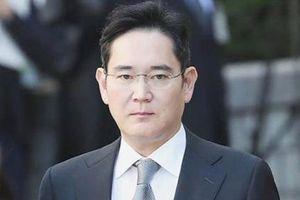 Phó Chủ tịch Samsung xin lỗi nhân viên vì phải vào tù