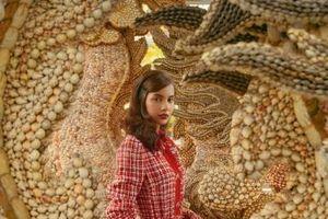 Đắm đuối với vẻ đẹp ngọt ngào, quyến rũ của Emma Lê trong các thiết kế từ Dolce & Gabbana
