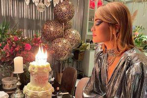 Rita Ora tự giác cách ly sau tiệc sinh nhật bê bối