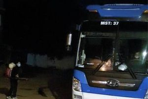 Ôtô khách chở người từ vùng có dịch về Nghệ An