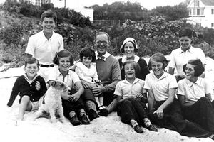 Bí ẩn về 'lời nguyền Kennedy' trong gia tộc vĩ đại của nước Mỹ