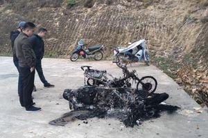 Tuyên Quang: 2 xe máy bị kẻ gian đốt trụi trong đêm