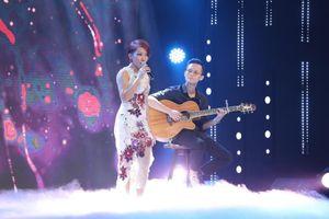 Diva Hà Trần xúc động kể kỷ niệm buồn vui cùng 2 người bố