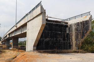 Cầu 43 tỷ không có đường dẫn