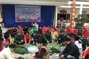 Đồn Biên phòng Lũng Cú chăm lo Tết cho học sinh và người nghèo