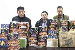 Bắt giữ 4 đối tượng mua bán, tàng trữ trái phép gần 87kg pháo nổ