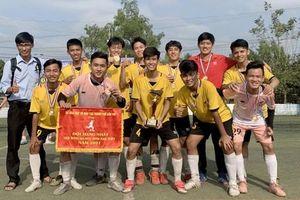 Trường THPT Trần Ðại Nghĩa lần đầu tiên vô địch