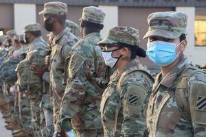 Bộ Quốc phòng Mỹ chuẩn bị 10.000 binh sĩ hỗ trợ tiêm chủng Covid-19