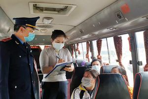 Kiểm soát chặt khách đi lại dịp Tết để phòng dịch Covid-19 tại bến xe Yên Nghĩa