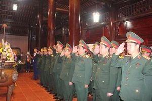 Quân khu 4: Dâng hương tưởng niệm Chủ tịch Hồ Chí Minh