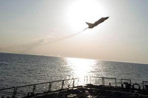 Chiến cơ Nga áp sát tàu khu trục Mỹ trên biển Đen