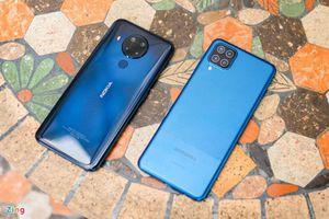 So sánh Samsung Galaxy A12 với Nokia 5.4: Chọn smartphone giá rẻ nào chơi Tết?
