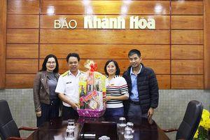 Lãnh đạo UBND huyện Trường Sa thăm, chúc Tết Báo Khánh Hòa