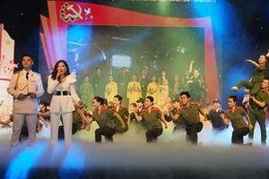 Chương trình 'Sắt son niềm tin theo Đảng' chào mừng thành công Đại hội XIII