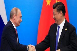 Phương Tây quan ngại trước 'mối tình' Nga-Trung nồng ấm