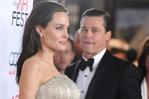 Angelina Jolie bán món quà 3 triệu USD của Brad Pitt