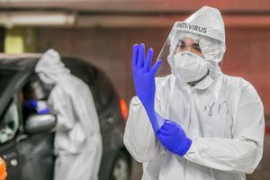 Bộ trưởng Anh: Có khoảng 4.000 biến chủng của SARS-CoV-2