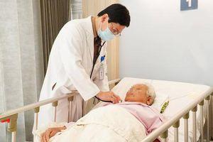 Đại phẫu cứu sống cụ bà 85 tuổi nhiễm trùng nang gan, sỏi túi mật