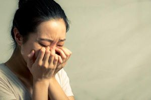 Theo chân vợ lúc đêm khuya, chồng phát hiện sự thật đau lòng, cách hành xử khiến dân tình phẫn nộ