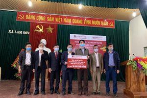 Agribank Thanh Hóa trao 1.200 suất quà cho hộ nghèo, gia đình chính sách