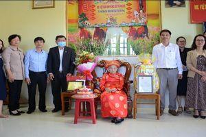 Đắk Nông: Thăm, tặng quà Tết mẹ Việt Nam anh hùng và đối tượng chính sách