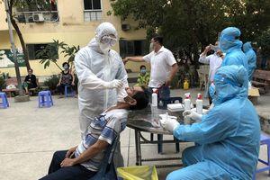 TPHCM: Nhân viên sân bay Tân Sơn Nhất nghi mắc COVID-19