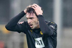 Thần đồng 16 tuổi không cứu nổi Dortmund