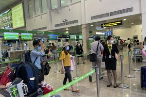 Nhân viên sân bay Tân Sơn Nhất mắc COVID-19 đã đi những đâu?