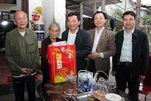 Phó Chủ tịch HĐND tỉnh thăm hỏi gia đình chính sách nhân dịp tết Nguyên đán