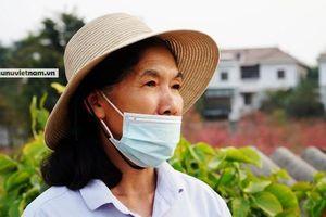 Mong đủ tiền giỗ cha, con gái quyết định ở lại Hà Nội làm thuê qua ngày 30 Tết