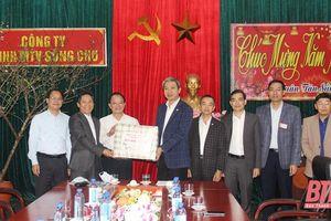 Phó Chủ tịch UBND tỉnh Lê Đức Giang thăm, chúc tết đơn vị thủy nông và Đài khí tượng thủy văn