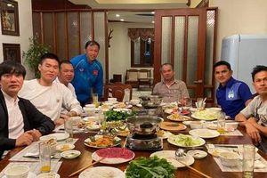 HLV Kiatisak thăm nhà bầu Đức, so sánh Tết Việt Nam - Tết Thái Lan
