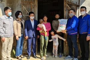 Ủng hộ tỉnh Quảng Ninh 300 triệu đồng phòng, chống dịch Covid-19