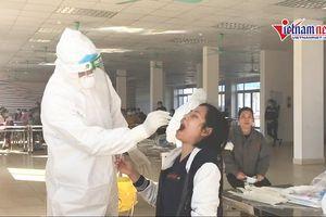 Công nhân KCN ở Chí Linh chờ kết quả âm tính lần 3 để kịp về nhà ăn Tết