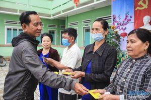 150 suất quà được trao cho người nghèo huyện Bình Sơn