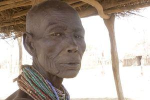 Hủ tục ghê rợn của bộ lạc Karo ở Ethiopia