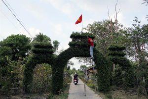 Độc đáo cổng tam quan bằng cây xanh ở huyện An Minh, Kiên Giang