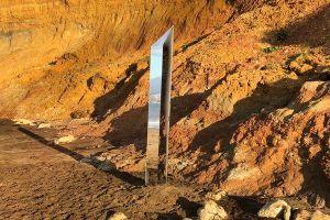 Những khối kim loại bí ẩn lần lượt xuất hiện trên khắp thế giới