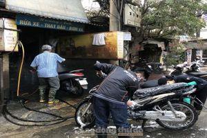 Dịch vụ rửa xe 'làm không ngơi tay' ngày cuối cùng của năm Canh Tý